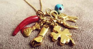 limpiar-amuletos-talismanes